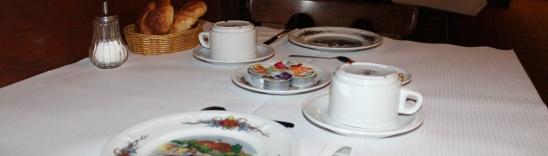 Petit-déjeuner - hôtel
